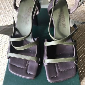 Shoes - Leather sandals size 34